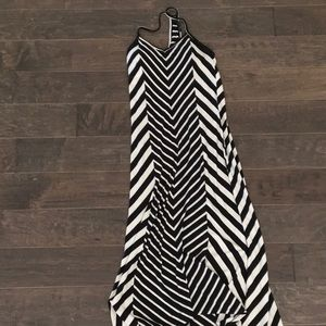 Sleeveless Maxi Dress. Size small